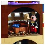 LEGO-71040-Disney-Castle-Disneyland-Castle-6